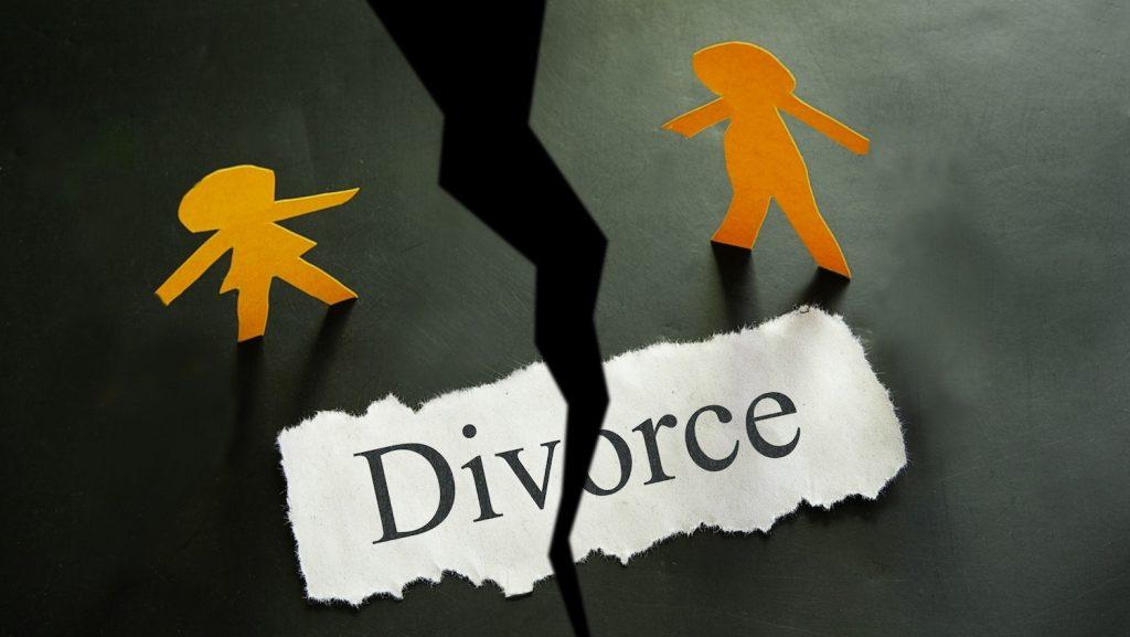 Cơ quan có thẩm quyền quyết định ly hôn